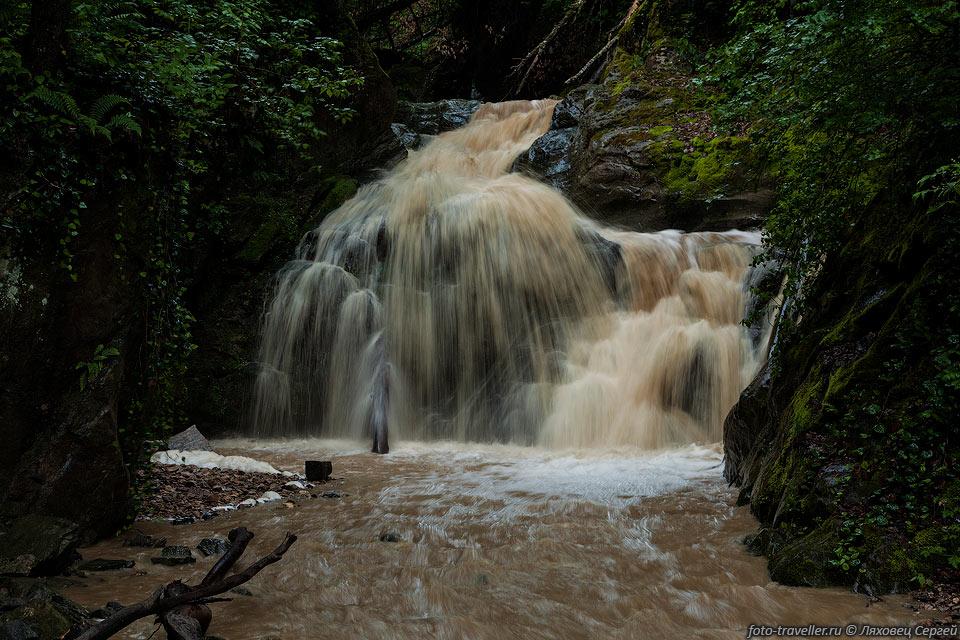 Водопад на реке Сюк